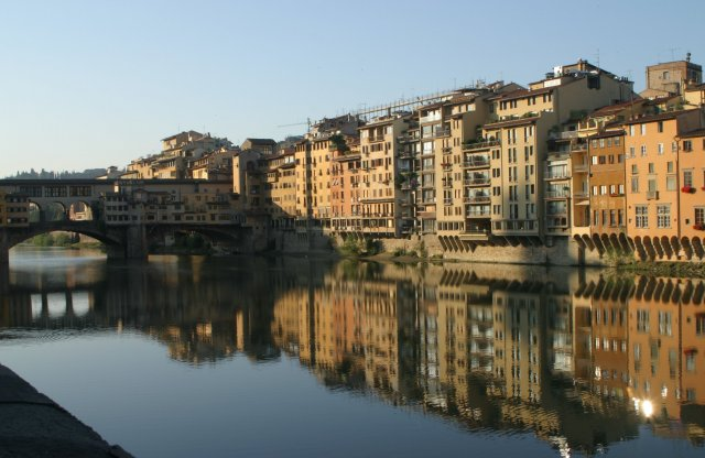 Arno River with the Ponte Vecchio in Firenze