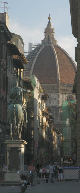 Late afternoon street corner in Firenze
